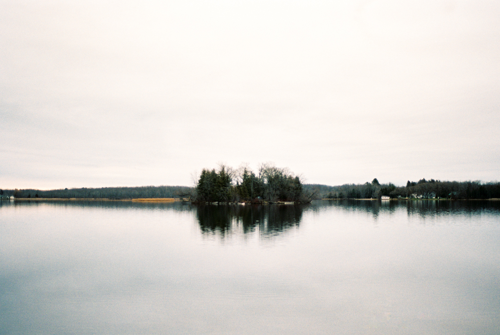 cottage-country-couples-session-43