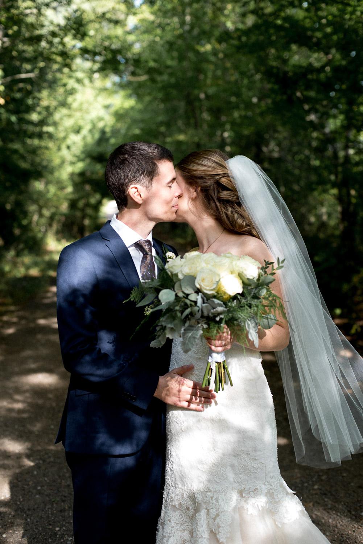 best intimate cottage wedding